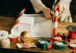 Geschenkpapier entsorgen Abfallguru Mülltrennung
