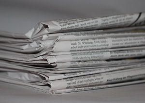 Zeitungen Papier entsorgen Abfallguru Mülltrennung